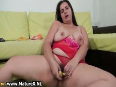 Hairy fat mom loves fucking..