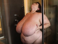 BBW Lexxxi Luxe Showers and..