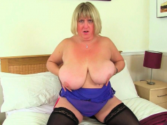 Big titted milf Kiki Rainbow..